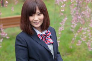 微笑む女子高生の写真素材 [FYI02066289]