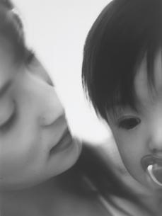 母と子アップの写真素材 [FYI02066735]