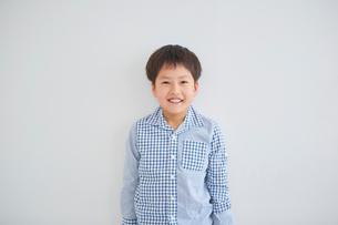 男の子のポートレートの写真素材 [FYI02067126]