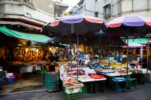 朝市の露店 台湾の写真素材 [FYI02067807]