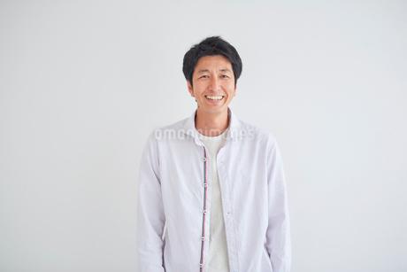 40代男性のポートレートの写真素材 [FYI02069175]