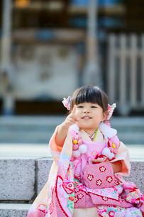 七五三和装の女の子の写真素材 [FYI02070047]