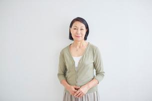 シニア女性のポートレートの写真素材 [FYI02070535]