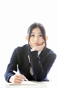 ノートを取る女子高校生の写真素材 [FYI02070913]