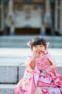 七五三和装の女の子の写真素材 [FYI02070929]