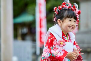 七五三和装の女の子の写真素材 [FYI02071166]