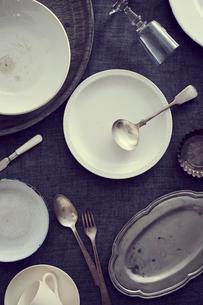 使い込んだ食器の集合の写真素材 [FYI02071176]