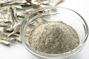煮干しの粉の写真素材 [FYI02073991]