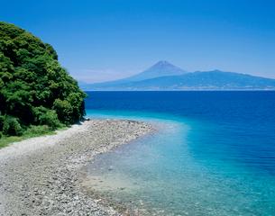 沼津市江梨からの駿河湾と富士山の写真素材 [FYI02074653]