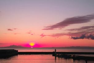 羅臼漁港の朝の写真素材 [FYI02075567]