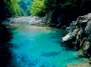 阿寺渓谷 阿寺川の清流の写真素材 [FYI02076198]