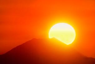 千畳敷からの日の出と富士山の写真素材 [FYI02076848]