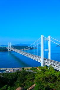 鷲羽山から望む瀬戸大橋の写真素材 [FYI02077624]