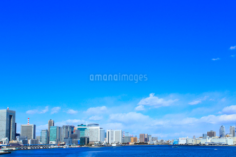 東京港からのビル群の写真素材 [FYI02078447]