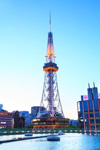 オアシス21と名古屋テレビ塔の写真素材 [FYI02079044]