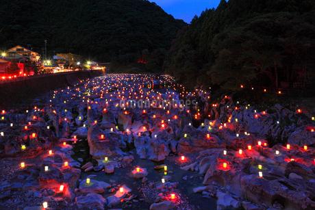 古座川  滝の拝の灯篭祭りの写真素材 [FYI02081288]