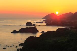 丹後半島 丹後松島と朝日の写真素材 [FYI02081614]