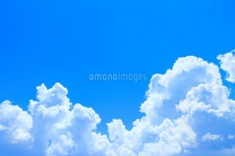 入道雲と青空の写真素材 [FYI02081782]