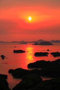 展海峰から望む九十九島の夕焼けの写真素材 [FYI02082071]