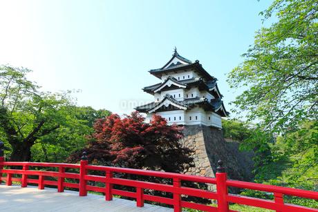 新緑の弘前城の写真素材 [FYI02082268]