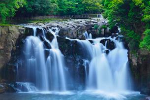 関之尾の滝の写真素材 [FYI02082990]