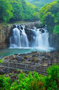関之尾の滝の写真素材 [FYI02083260]