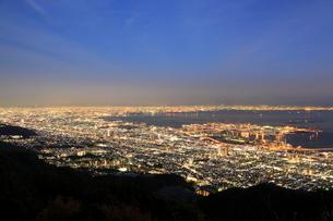 摩耶山から望む神戸の夜景の写真素材 [FYI02083504]