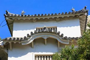 姫路城 にの門と十字紋瓦の写真素材 [FYI02084129]