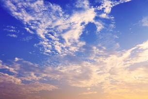 朝焼けの空の写真素材 [FYI02084536]