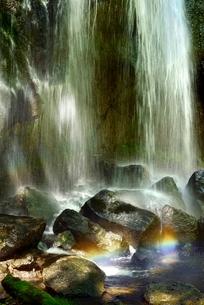 安達太良山西麓 達沢不動滝と虹の写真素材 [FYI02084872]