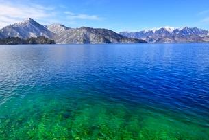 冬の中禅寺湖の写真素材 [FYI02085201]