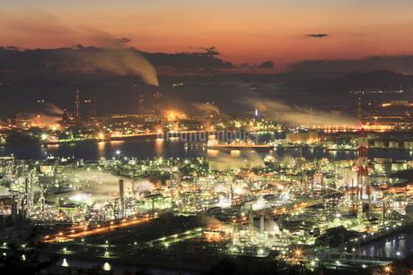 水島臨海工業地帯の夜景の写真素材 [FYI02085598]