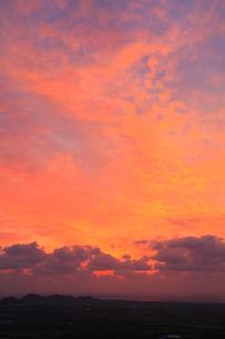 朝焼けの空の写真素材 [FYI02086350]