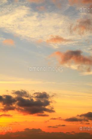 朝焼けの空の写真素材 [FYI02086818]