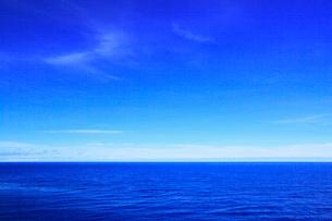 沖縄本島 残波岬から望む海の写真素材 [FYI02087404]