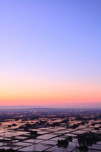 猿倉山より望む富山市街の夕焼けの写真素材 [FYI02087604]