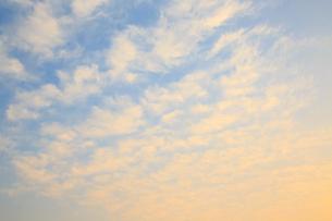 夕焼け雲の写真素材 [FYI02087999]