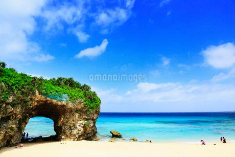 沖縄宮古島 砂山ビーチと海の写真素材 [FYI02088507]