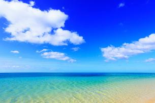 沖縄西表島 南風見田の浜と海の写真素材 [FYI02088648]