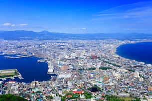 函館山山頂展望台から望む市街眺望の写真素材 [FYI02088792]