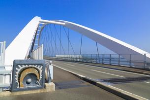 志摩パールブリッジと英虞湾の写真素材 [FYI02088889]