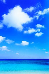 沖縄波照間島 ニシ浜と海の写真素材 [FYI02088894]