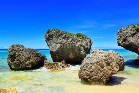 沖縄本島 ニライビーチの海の写真素材 [FYI02089025]