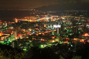旭展望台から望む小樽市街夜景の写真素材 [FYI02089158]
