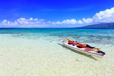 沖縄西表島 バラス島と海の写真素材 [FYI02089179]