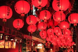 長崎ランタンフェスティバルの提灯の写真素材 [FYI02089404]