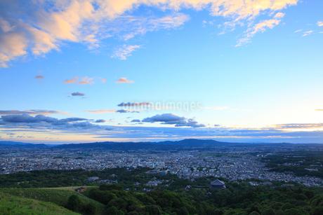 若草山から望む奈良市街の夕景の写真素材 [FYI02090213]