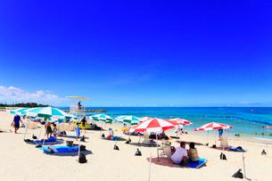 沖縄本島 残波ビーチと海の写真素材 [FYI02090376]