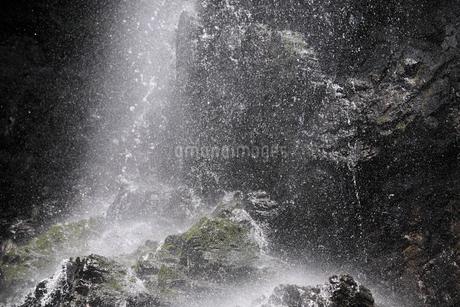 御船の滝 水しぶきの写真素材 [FYI02090380]
