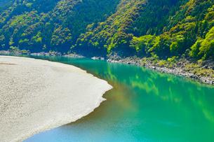 四万十川の清流の写真素材 [FYI02091140]